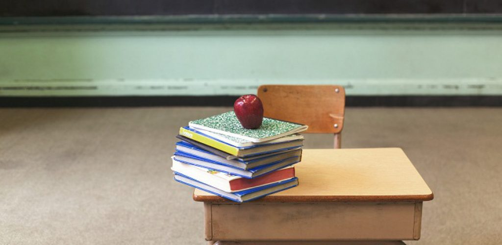 school-desk-books-660